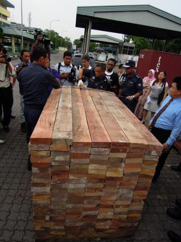 Hmm... a little suspicious Smugglers went to great lengths to hide the 1,500 pieces of Elephant tusks they were transporting from Togo to China via Malaysia. But they got caught! Thanks to the Royal Malaysian Customs.