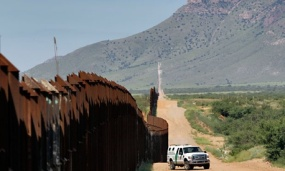 A CBP vehicle patrols the border in Arizona in 2010. (Matt York/AP file photo)