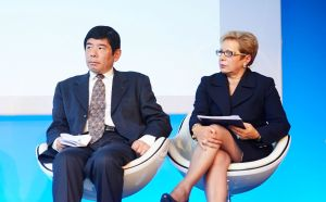 Kunio Mikuriya, WCO Secretary General, and Maria Palazzolo, Chief Executive Officer of GS1 Australia and GS1 Board Member, at the GS1 Global Forum 2013