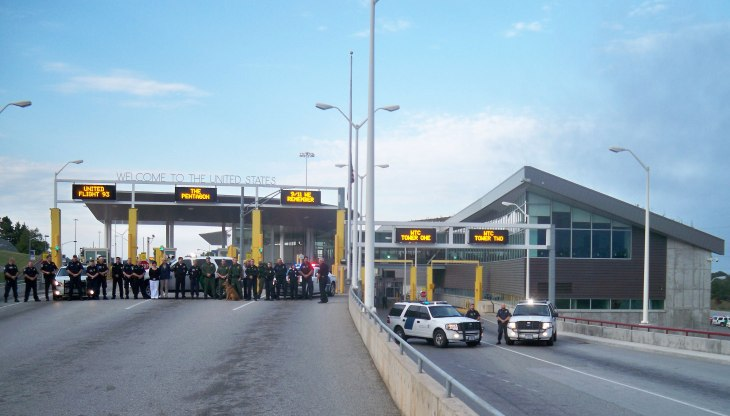 CBP personnel in Sault Ste Marie take a moment to recognize the fallen on 9/11 at the International Bridge. (Picture: US Customs & Border Protection)