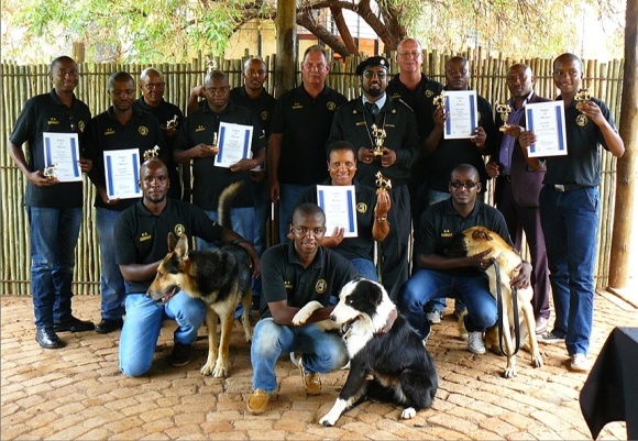 SARS Customs North West Detector Dog Unit handlers. [SARS]