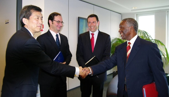 Senior WCO Management welcoming former South African President Thabo Mbeki, who is Chair of the High Level Panel on Illicit Financial Flows from Africa (WCO)