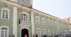 National Customs building in Luanda. [Photo - Lino Guimarães.]
