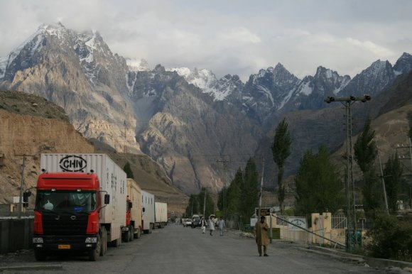Sost_Pakistan_Customs_and_Chinese_Trucks