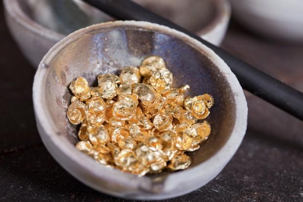 Raw-gold-619x413